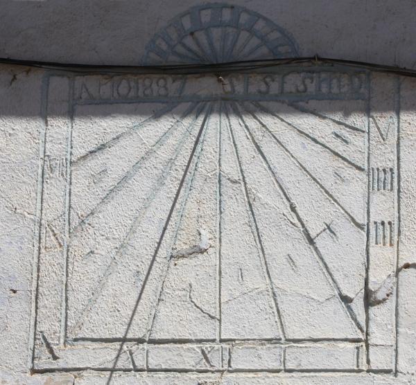 Imagen:Relojfuentesclaras1-1.jpg